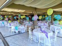 Μπαλόνια πεταλούδες σε καρέκλες