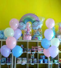 Μπαλόνια παστέλ κι ουράνιο τόξο